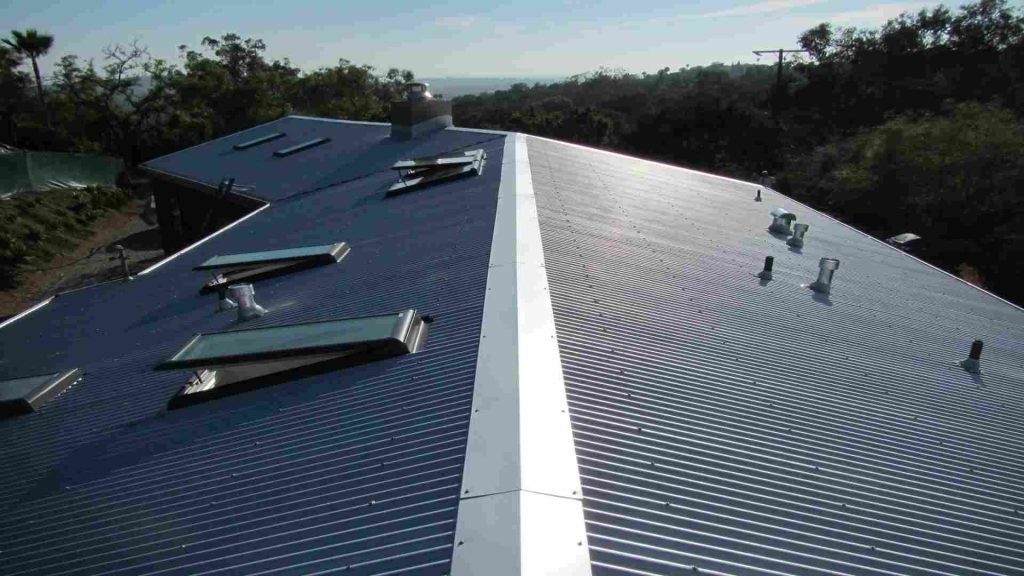 Resedential roof made out of corrugated metal panels